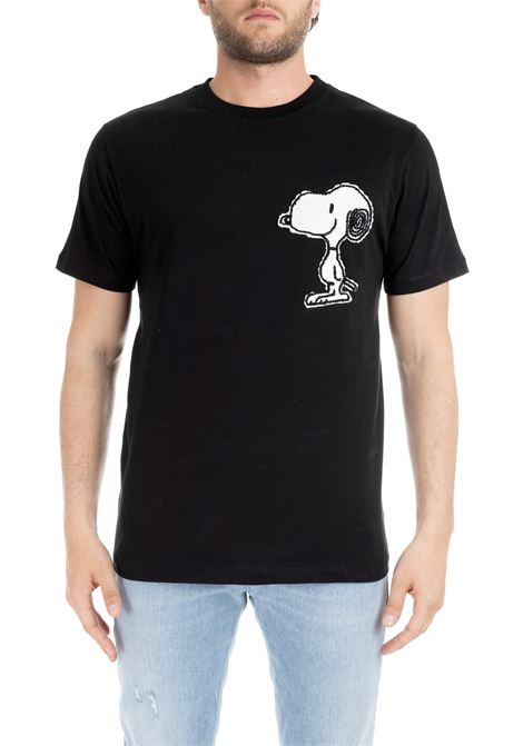 BLACK T-SHIRT WITH SNOOPY EMBROIDERY LC23 | T-shirt | T-SHIRTNERO