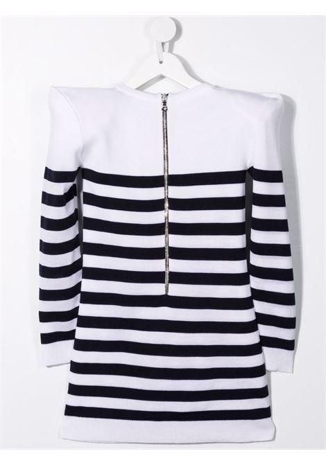 Pullover bianco BALMAIN KIDS   PULLOVER   6P1120TW0011100BL