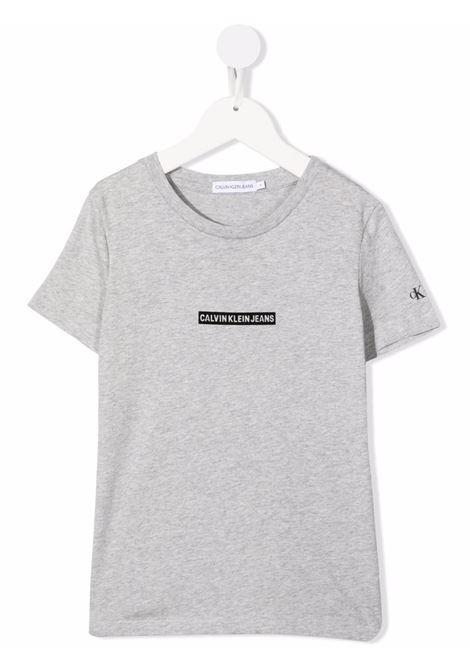T-shirt grigia CALVIN KLEIN KIDS | CKIB0IB01054PZ2