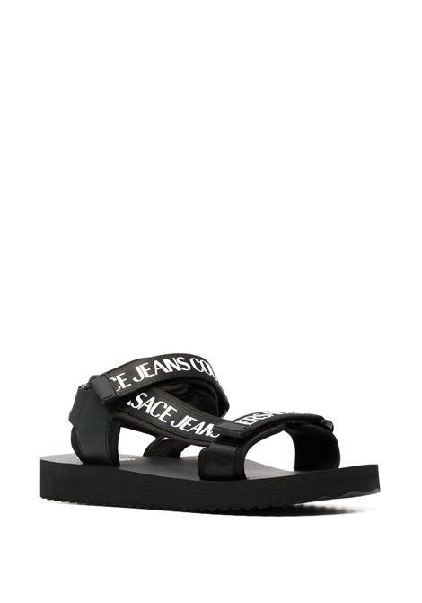 Sandalo nero VERSACE JEANS COUTURE | SANDALI | E0YWASY171937899
