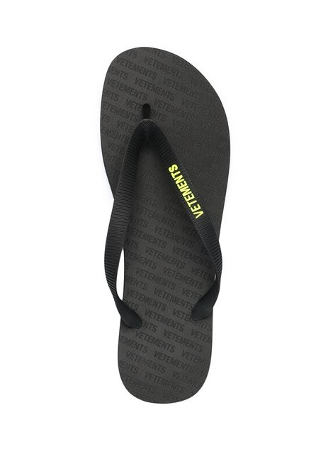 Infradito nera VETEMENTS | INFRADITO | UE51FL100Y1387BLACKYELLOW