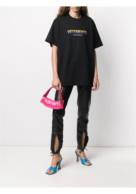 T-shirt nera VETEMENTS | T-SHIRT | UE51TR620B1611BLACK