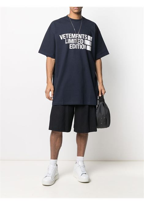 T-shirt blu VETEMENTS | T-SHIRT | UE51TR810N1611NAVY