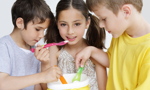 Photo: It's easy for kids to make ice cream in a bag with just a few ingredients!