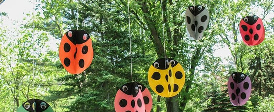 Swirling Twirling Ladybugs by Craftsbyamanda.com