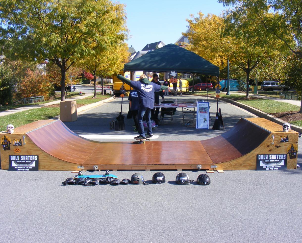 Portable Skate Park Equipment : Deal for hour portable half pipe skateboard
