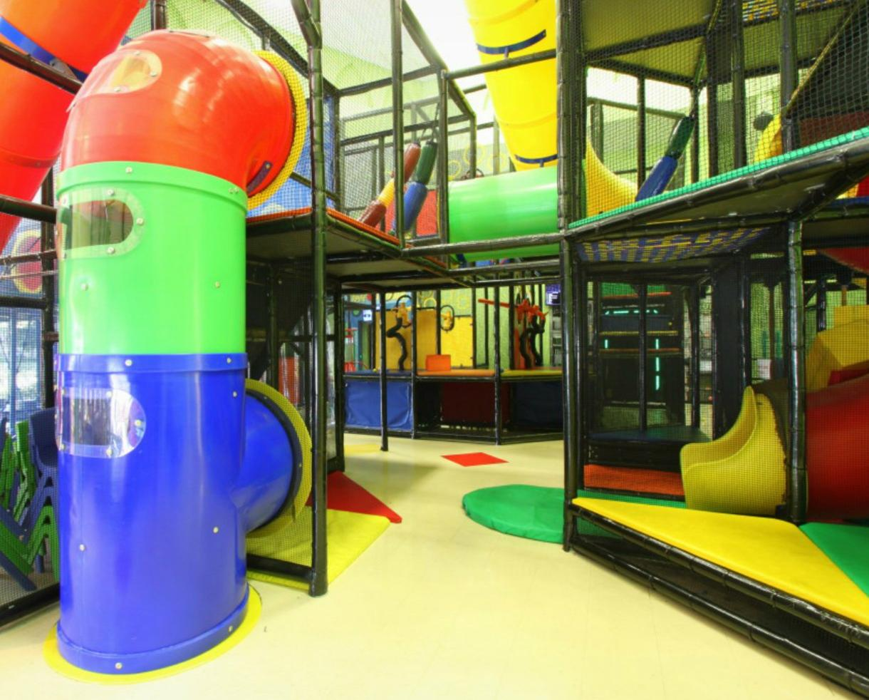 Deal: Flippo's Family Fun Center Daily Admission or Monthly Pass