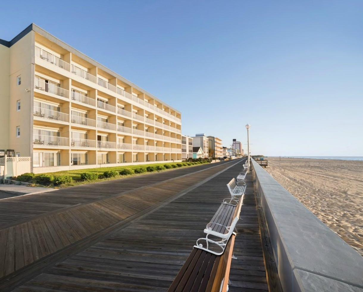 1-Night Weekday Stay at Howard Johnson Oceanfront Inn on the Boardwalk - VALID June 10 - August 23, 2018