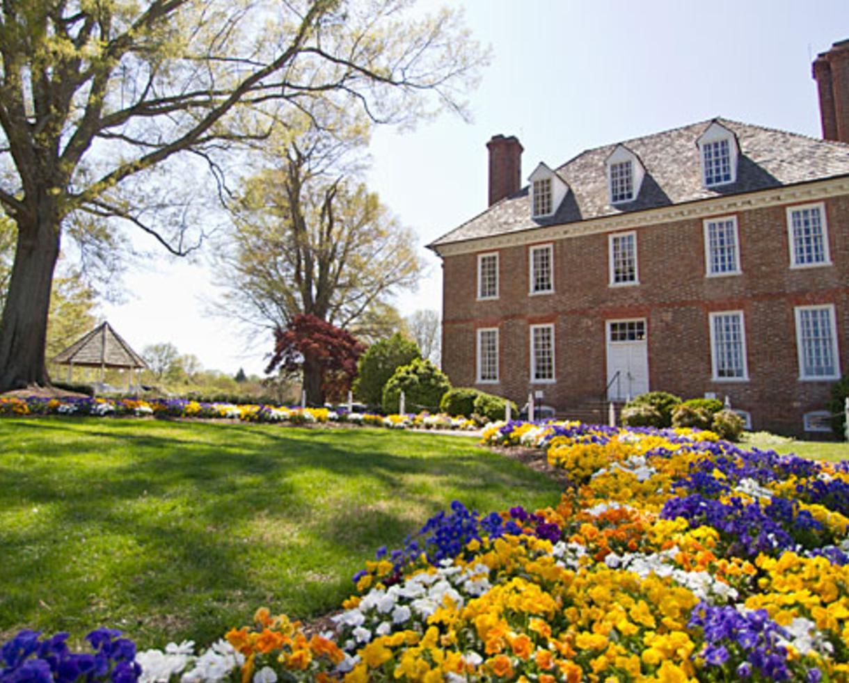 $297+ for 3-Night Getaway in a 2-Bedroom Condo at The Historic Powhatan Resort in Williamsburg, VA - Valid Through June! (Up to 65% Off)