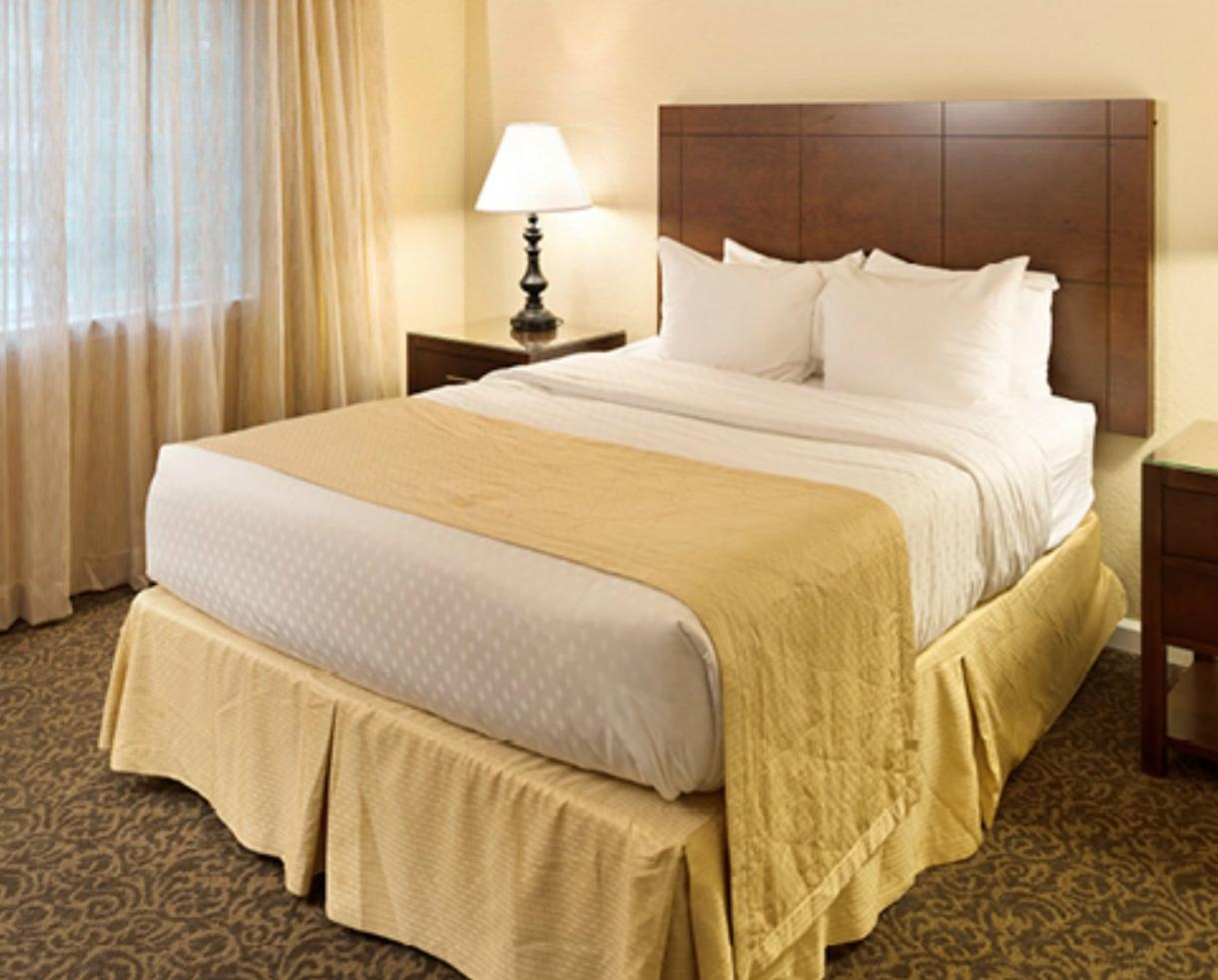 3-Night Getaway in One bedroom condo at The Historic Powhatan Resort