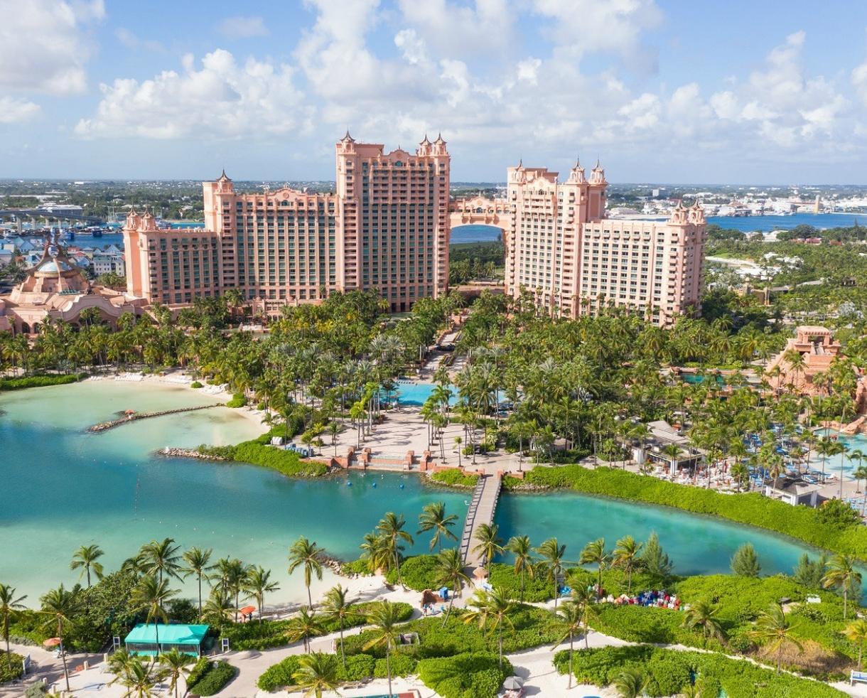 Deal Atlantis Resort Getaway  4th Night FREE  CertifiKID
