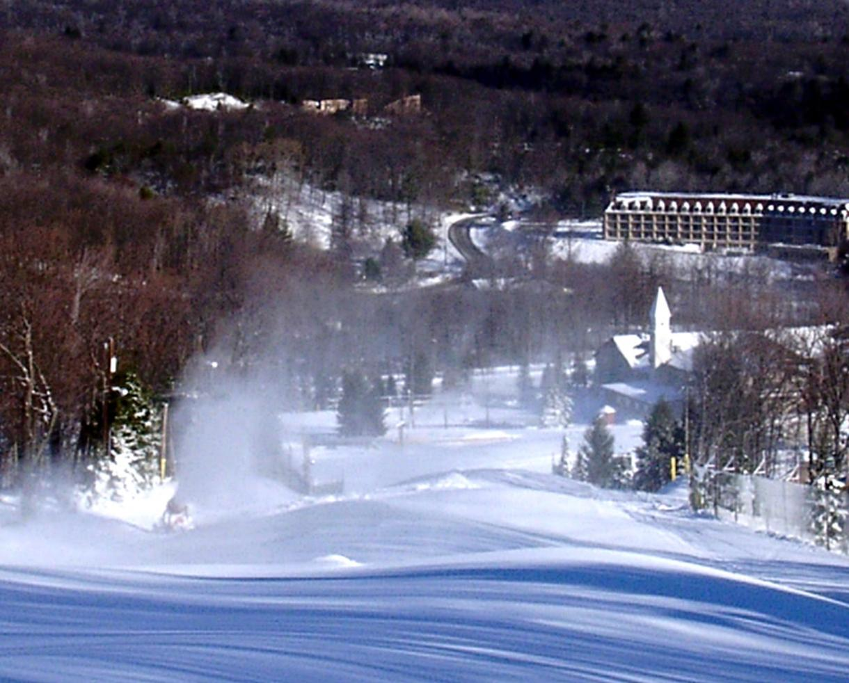 Poconos Mountain Escape With Breakfast Spa Amp Dining