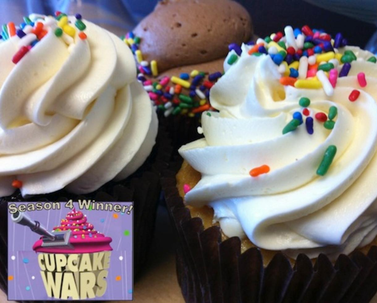 $39 for Cupcake Party Box from Cupcake Wars Winner Flavor Cupcakery ($60 value - 35% off)