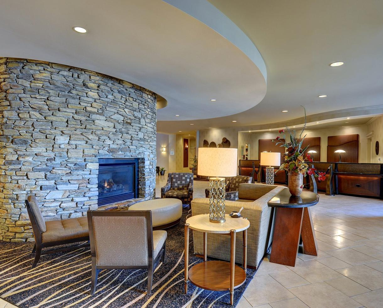 $131 for Overnight Stay at Eden Resort in Lancaster + $25 Food Credit + KIDS EAT FREE!! (42% Off)