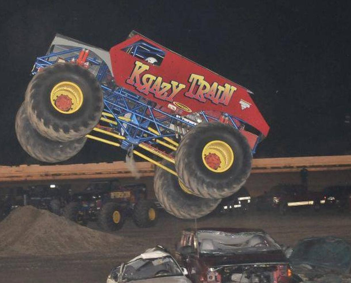 Deal monsters of the fair monster truck show at for Motor truck of pa