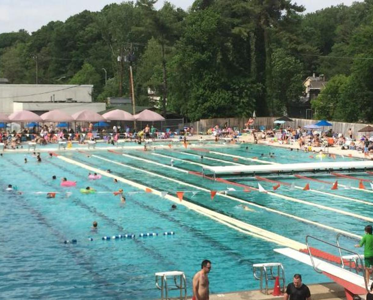 Deal 200 for ten family pool passes to meadowbrook for The meadowbrook