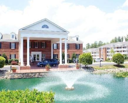 $99 for Friday or Saturday Night Stay for Up to 4 at Colonial Crossings Condo with Full Kitchen in Williamsburg ($155 value - 37% off)