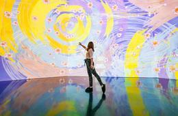 ARTECHOUSE's Hanami: Beyond the Blooms Exhibit