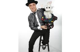 Funmakers Magic Variety Show with Zig Zag The Magic Man