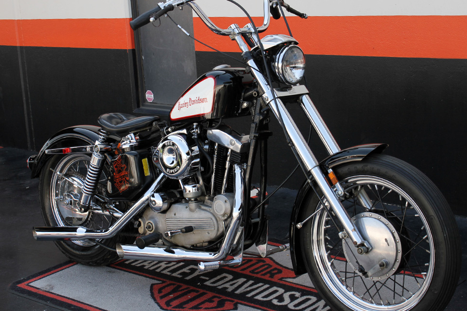 Charitybuzz Bruce Willis 1972 Harley Davidson Ironhead Sportster Pictures