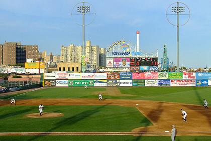 Charity softball | Brooklyn Paper