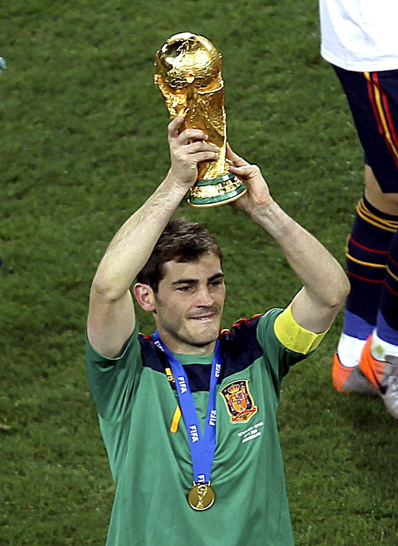 Charitybuzz Meet Soccer Champion And World S Best Goalkeeper Iker Cas Lot 472200
