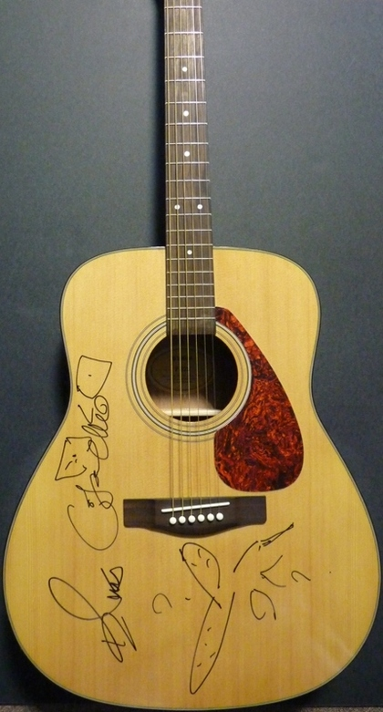 Charitybuzz Signed Guitar By Elvis Costello Lot 141089