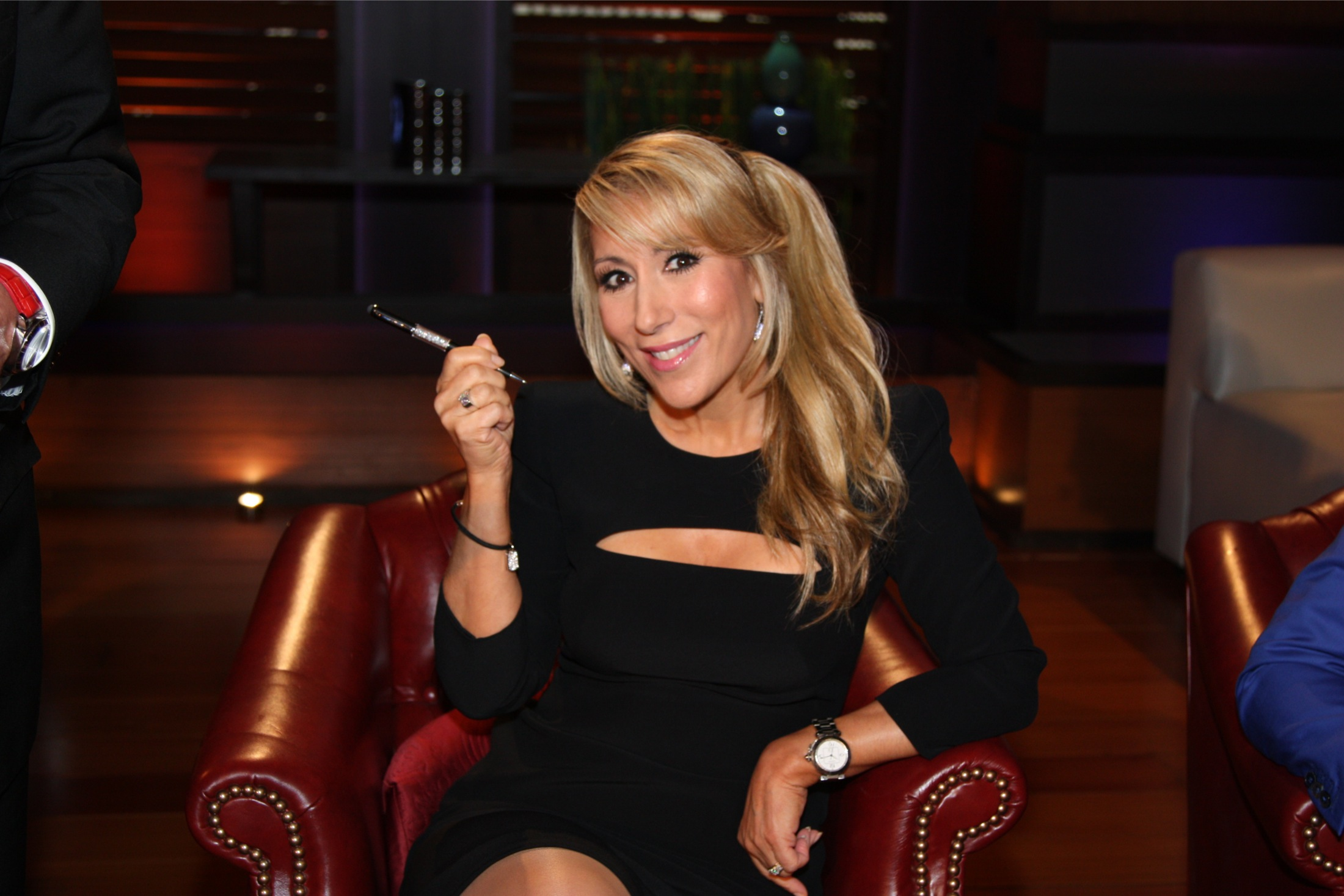 Lori greiner single