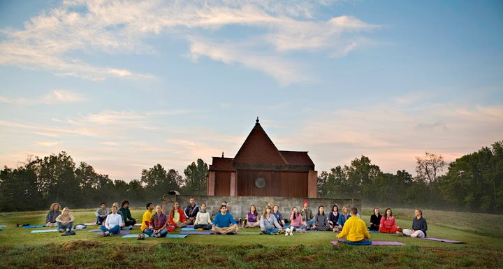 Charitybuzz Weekend Catskills Mountain Yoga Retreat For 2 At Sivanand Lot 558206