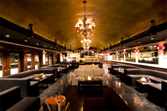 Charitybuzz Coveted Table For 6 At 1 Oak Nyc Or Up Amp Down