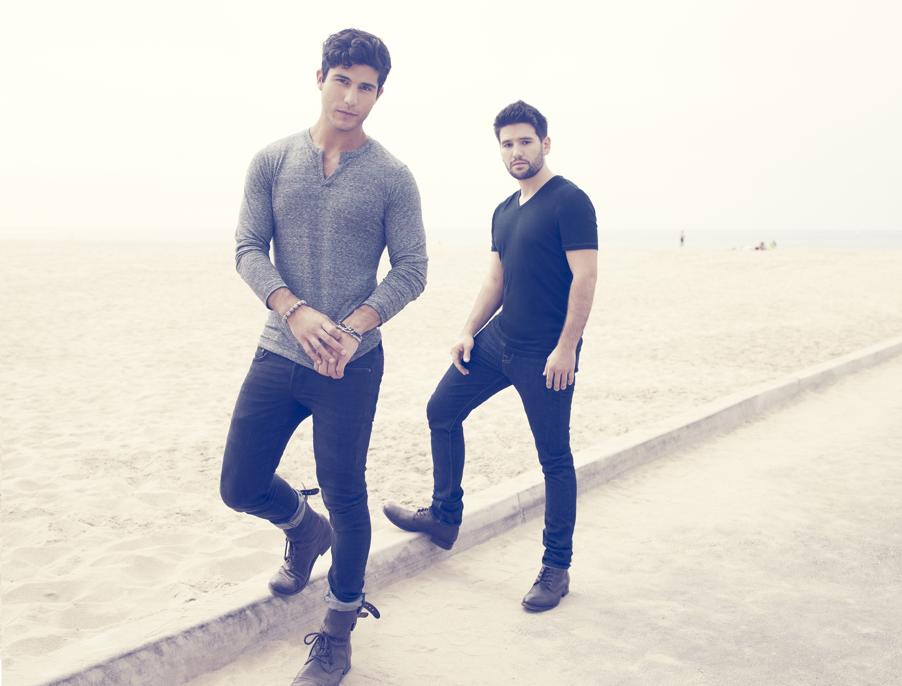 Charitybuzz 2 tickets and meet greet for a dan and shay concert detail kristyandbryce Images