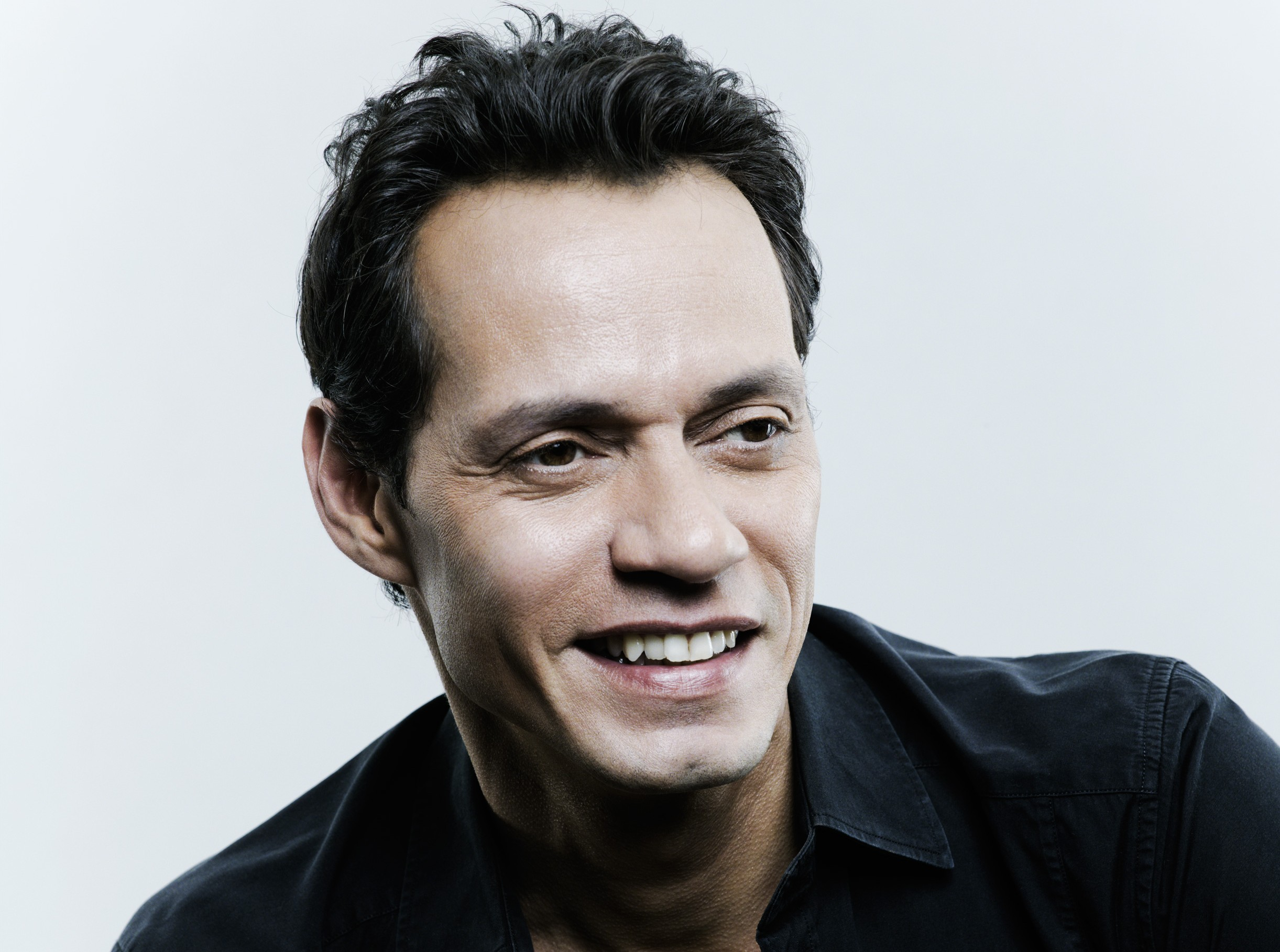 Charitybuzz meet marc anthony and walk the red carpet at the detail m4hsunfo