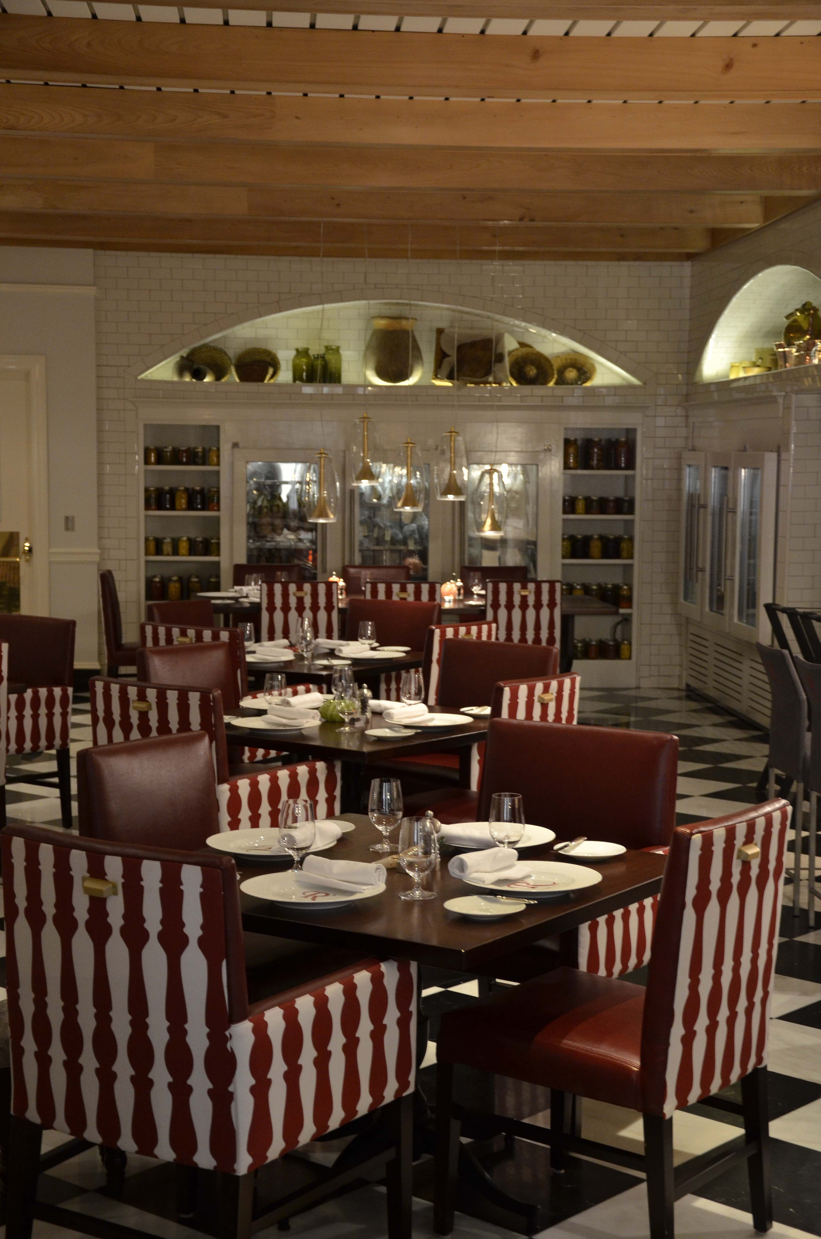 Detail Charitybuzz Ru0027evolutionary Dining Experience for 4