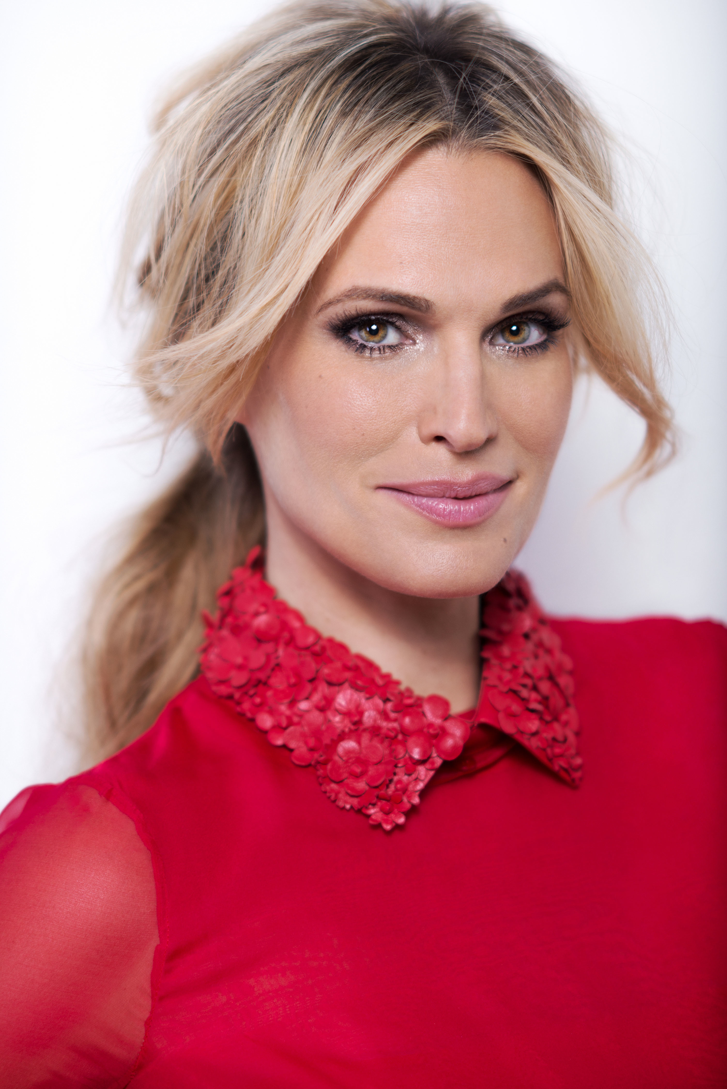 Charitybuzz: Lunch With Molly Sims: Actress, Model and ...