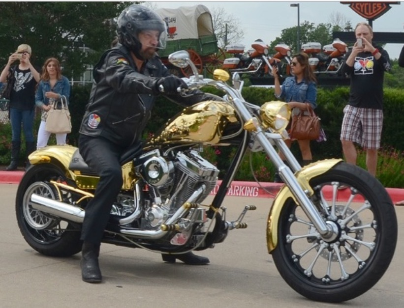 Charitybuzz a one of a kind custom motorcycle designed by for John paul greene custom homes