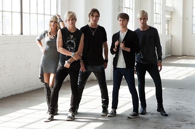 Charitybuzz 4 vip tickets to an r5 concert of your choice plus a original m4hsunfo