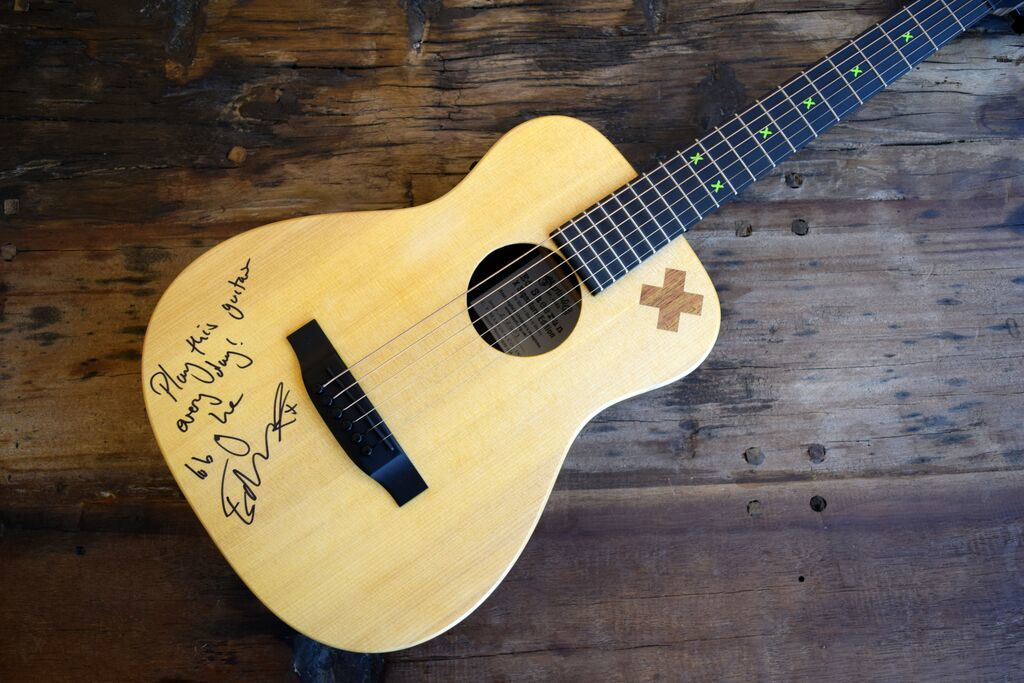 Ed Sheeran Signature Guitar : charitybuzz ed sheeran signed x ed sheeran signature series martin lot 910315 ~ Russianpoet.info Haus und Dekorationen