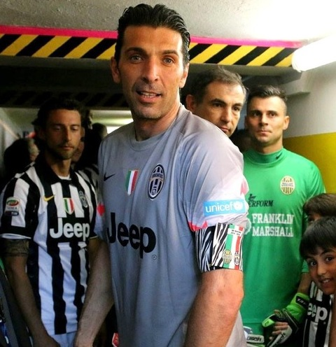 bc931b78e2e Charitybuzz: Gianluigi Buffon Serie A 2014/2015 Match-Worn & Signe...  - Lot 936426