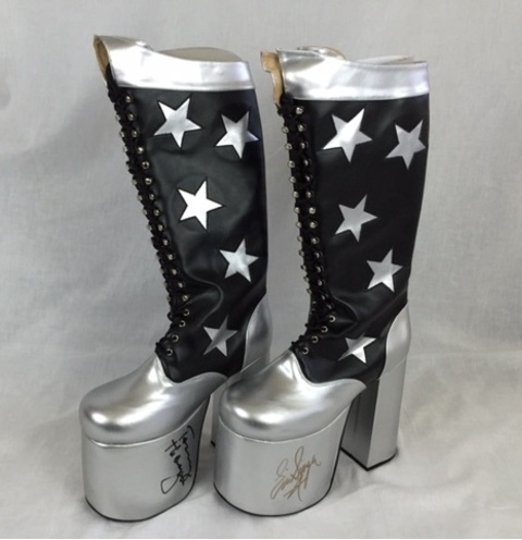 how to make kiss boots