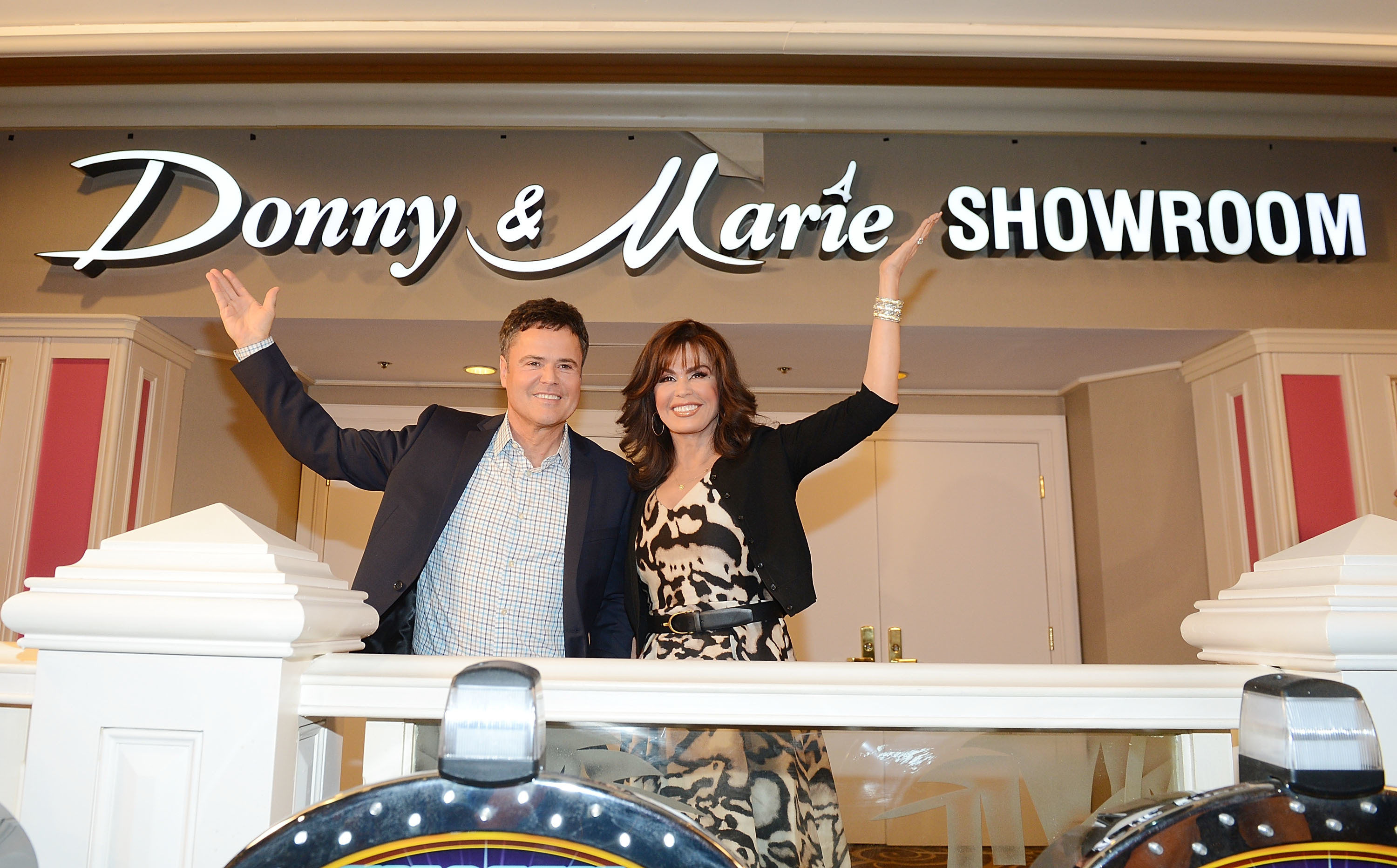 Charitybuzz Live Bid Meet Donny And Marie With 2 Tickets To Their