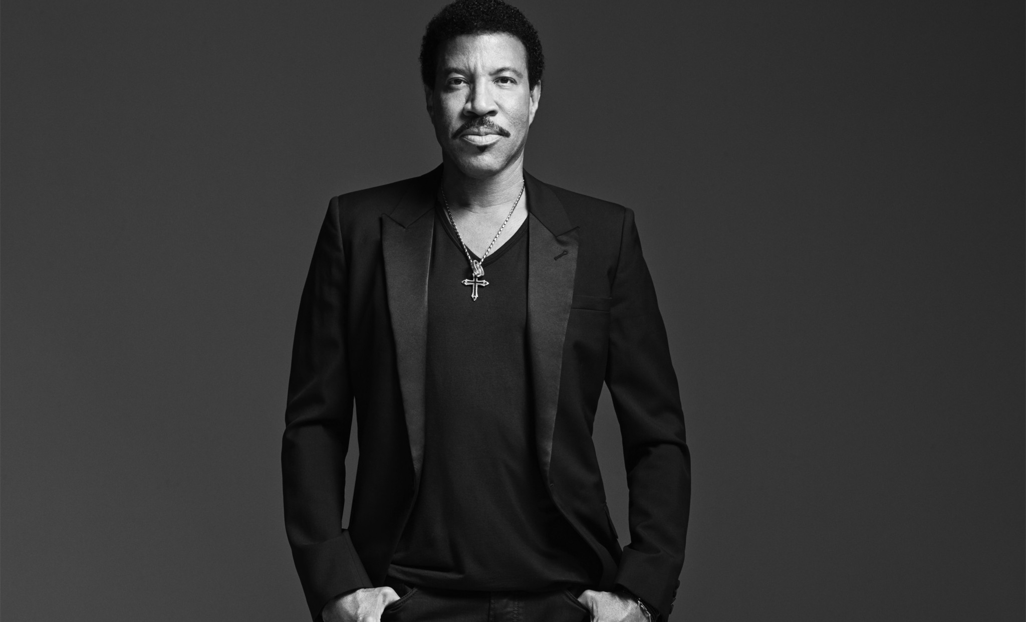 Charitybuzz live bid meet lionel richie with 2 vip tickets to an lotpage kristyandbryce Gallery