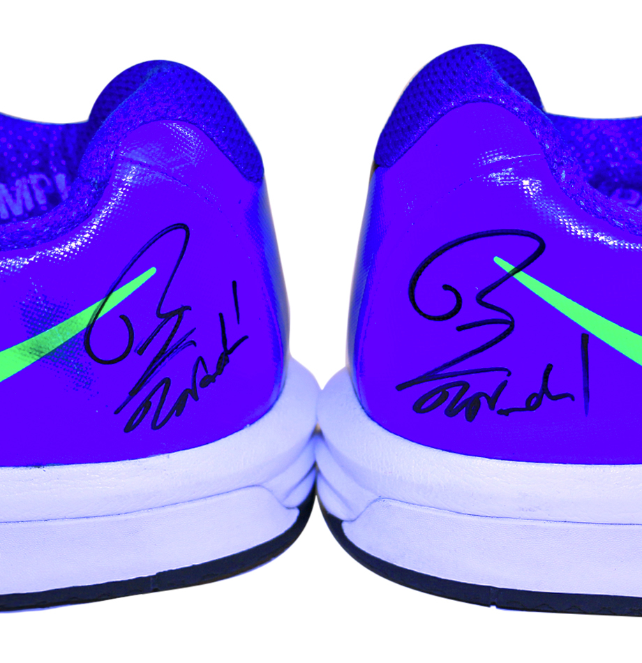 Charitybuzz Rafael Nadal S Autographed Tennis Shoes Game Used Us Ope Lot 1137307