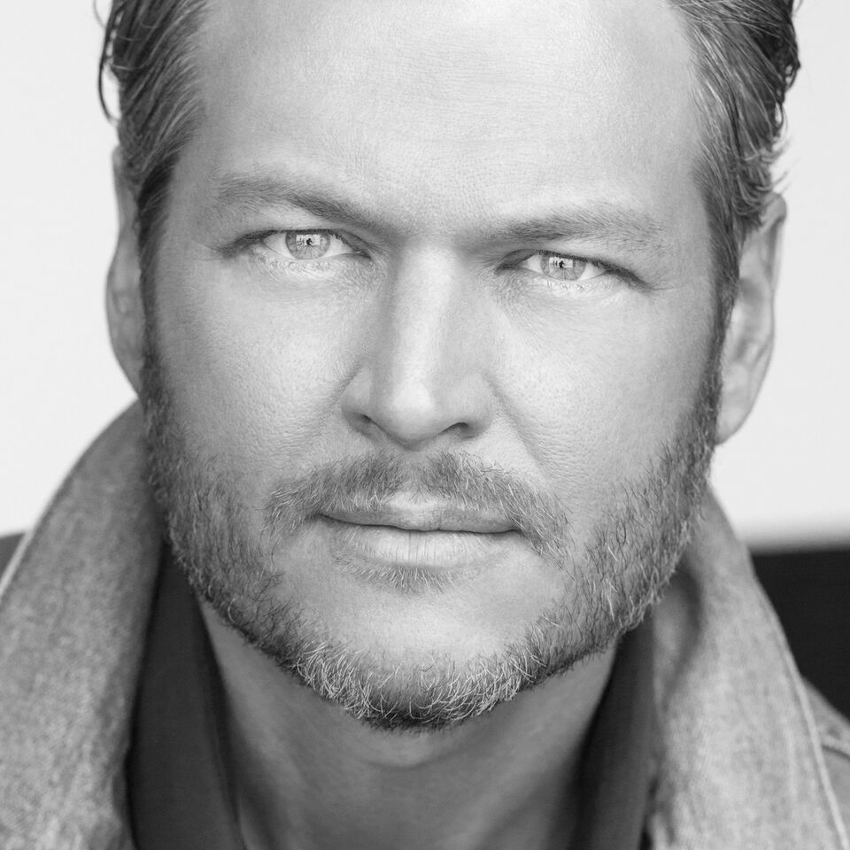 Charitybuzz meet blake shelton with 4 tickets to his doin it to lotpage description bid now to meet country music superstar blake shelton with 4 tickets kristyandbryce Image collections