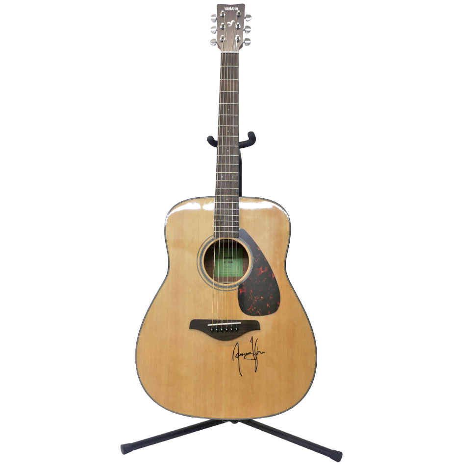 charitybuzz yamaha fg700s guitar signed by james taylor lot 1297824. Black Bedroom Furniture Sets. Home Design Ideas