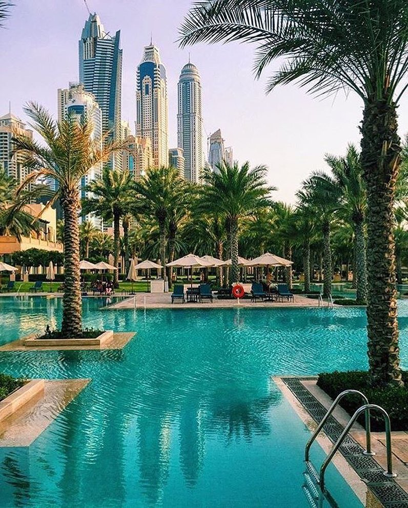 Charitybuzz Escape To Dubai With 2 Roundtrip Flights From