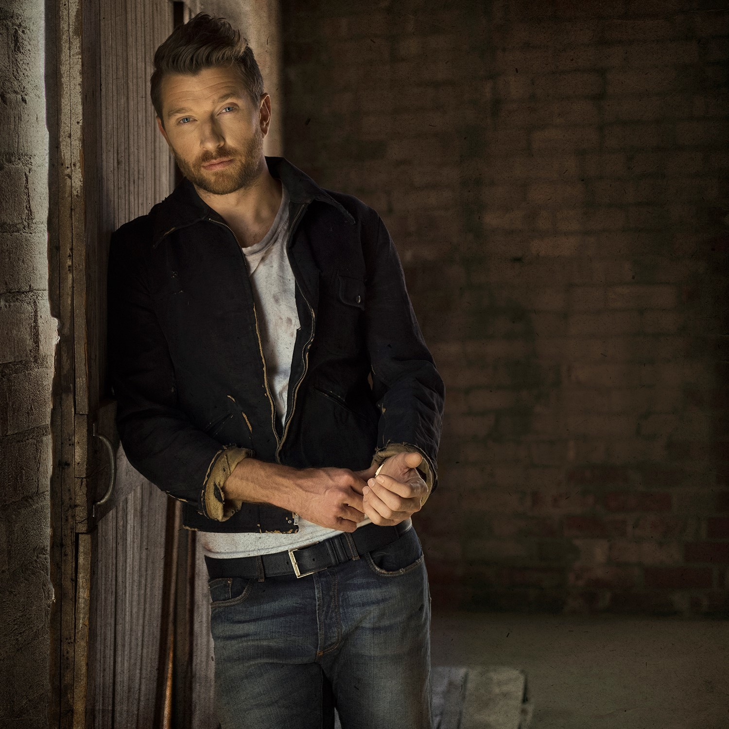 Charitybuzz Meet Brett Eldredge With 2 Tickets To A 2018 Concert