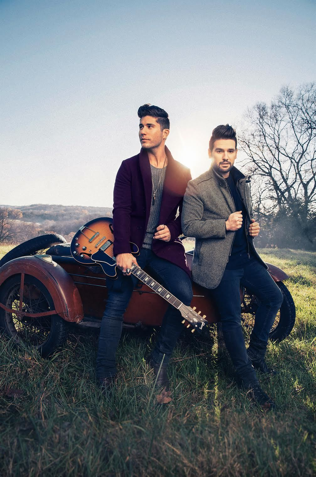 Charitybuzz meet dan shay with 2 tickets to a 2017 show on the view original image lotpage description meet dan shay kristyandbryce Images