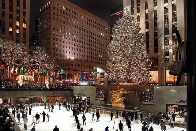 Christmas Tree Lighting Nyc 2020 Vip Area Charitybuzz: 4 VIP Tickets to the Rockefeller Center Tree Lighting