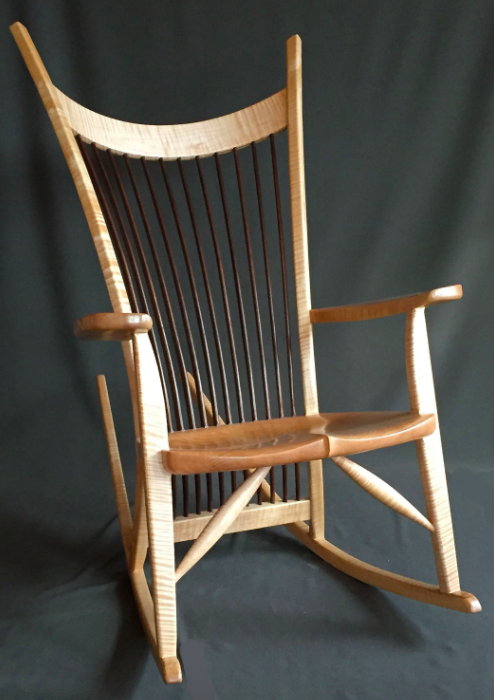 Original : hand carved rocking chair - Cheerinfomania.Com