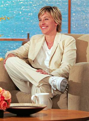charitybuzz 2 vip tickets to the ellen degeneres show lot 109025. Black Bedroom Furniture Sets. Home Design Ideas